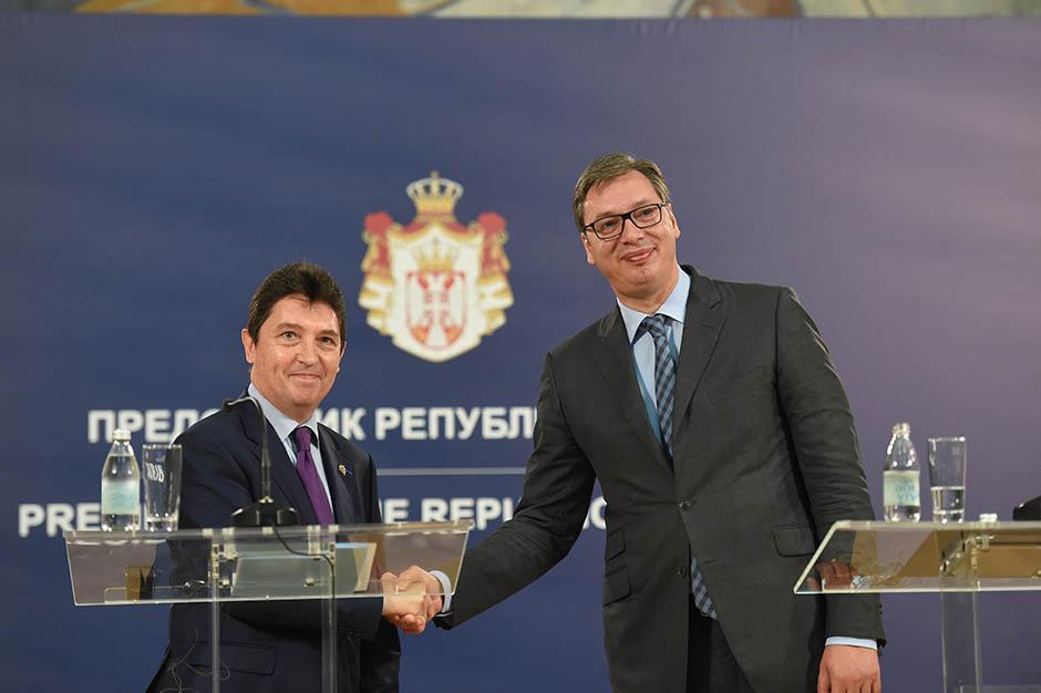 PROTOKOL: Francuski senator kod Vučića