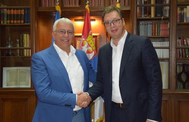 DEMOKRATE CG: Vučić kupio lidere Fronta za četiri miliona eura!