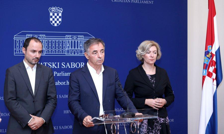 ZAGREB: Milorad Pupovac – Zašto nikome u Vladi ne smeta kada ministar obrane pozdravlja ratne zločince?