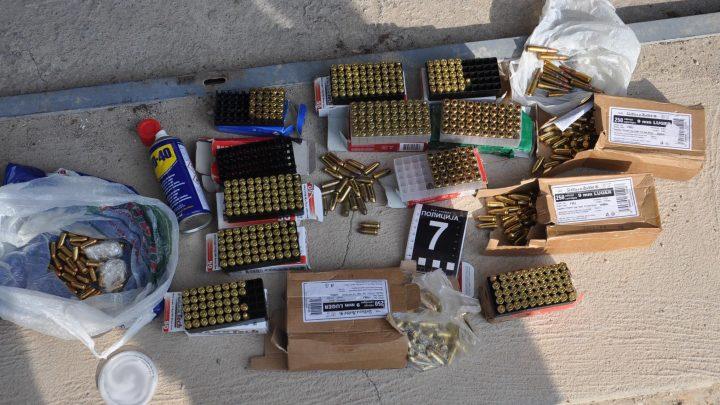 NIŠ: Uhapšen zbog nelegalnog držanja oružja i droge