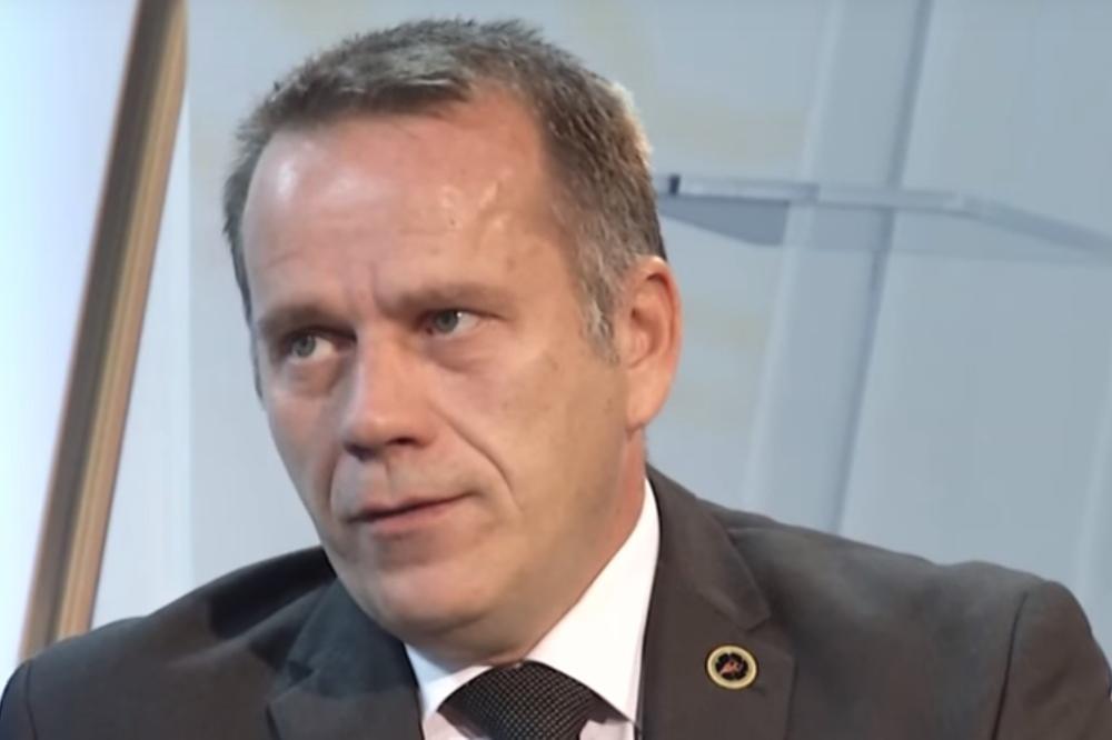 "KOSOVO: Porez ""sto posto"" jači od Vlade"