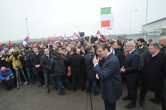 """SVEČANOST U KULI: Vučić otvorio peti pogon """"Kalcedonije"""""""