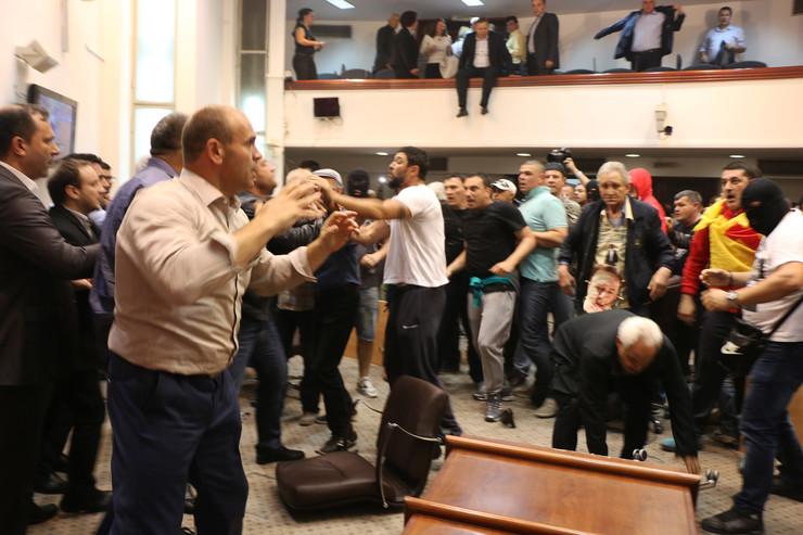 MAKEDONIJA: Uhapšen organizator upada u Sobranje