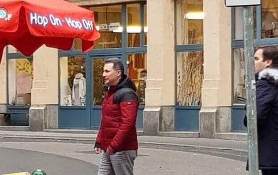 Foto vest: Gruevski šeta Budimpeštom