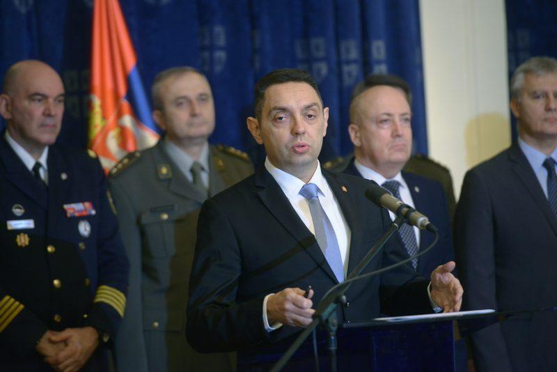 Konferencija za medije ministra Vulina: Vojska budno oko Srbije!