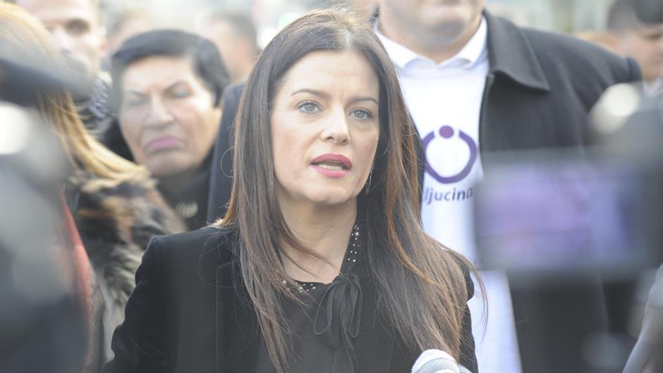 SNS: Obradovićeva osudila verbalno nasilje nad Dijanu Hasalović