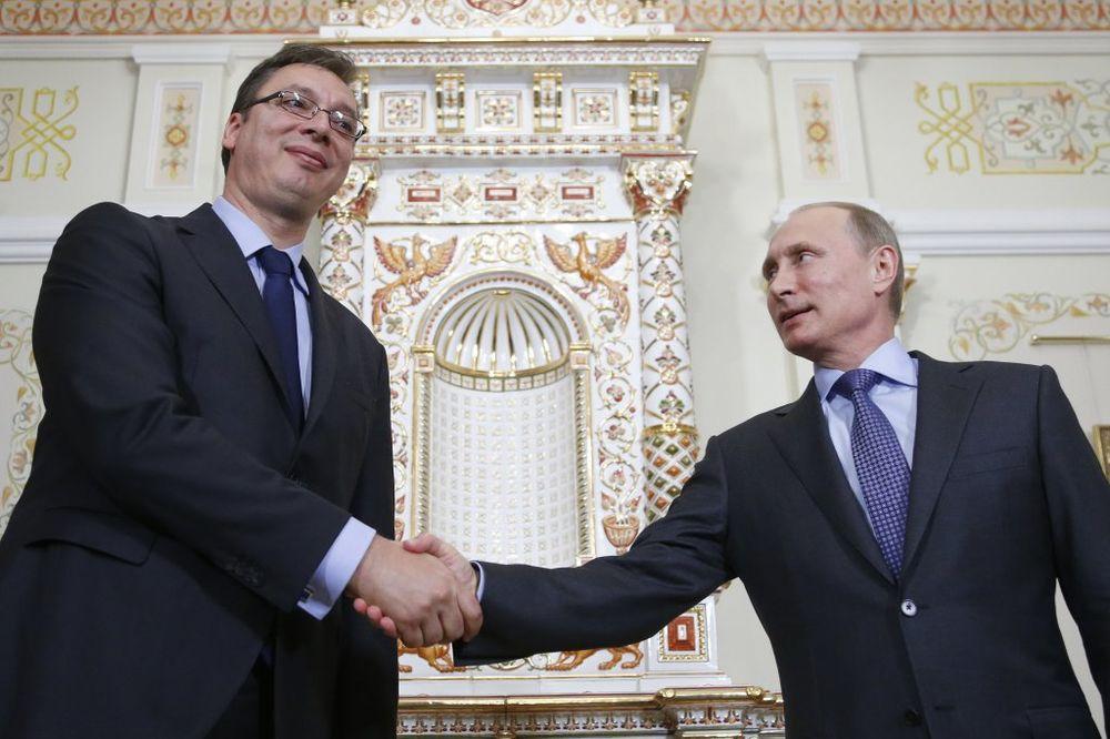 """Pre posete: Putinove """"poruke"""" Vučiću"""