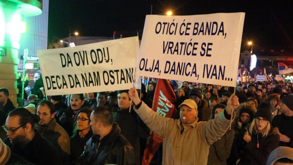Narodni protesti šire se Srbijom