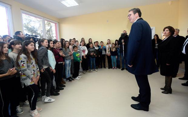 """Budućnost Srbije"": Vučić obišao Rasinski okrug"