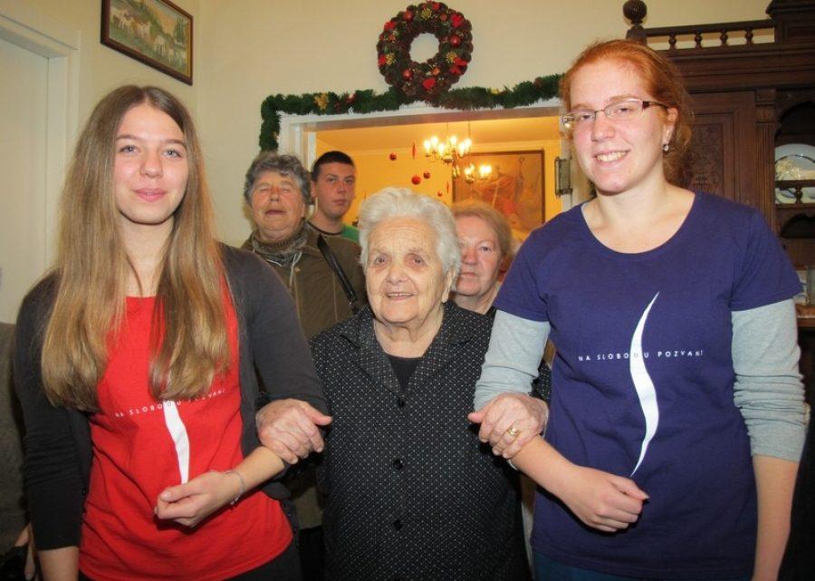 Crveni krst Srbije: koliko sarađuju stari i mladi?