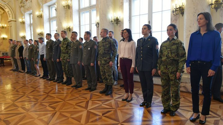 Dan Vojske: nagrade najboljima!