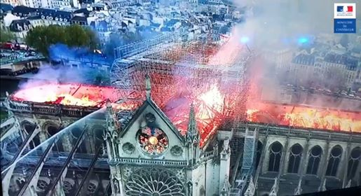 Pariz: Izgorela katedrala Notr – Dam