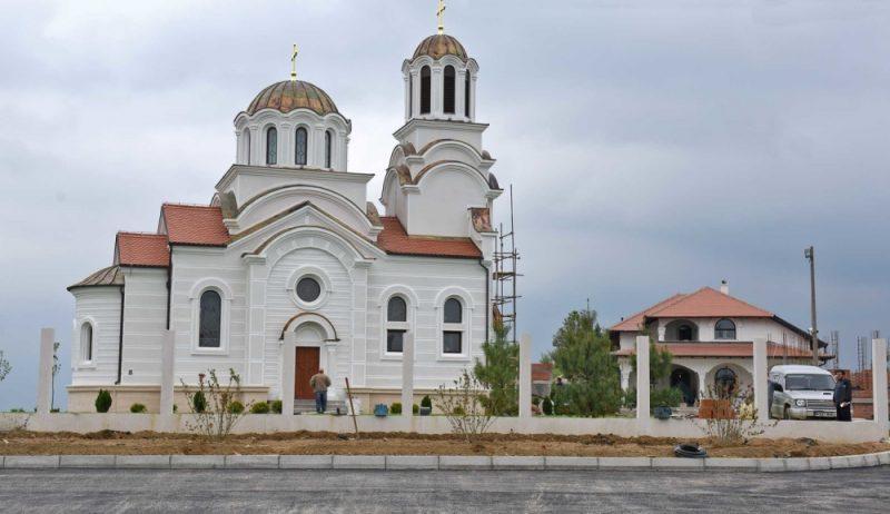 SKUPŠTINSKE PITALICE: Vojislav Šešelj – da li Toma Nikolić misli da je faraon?
