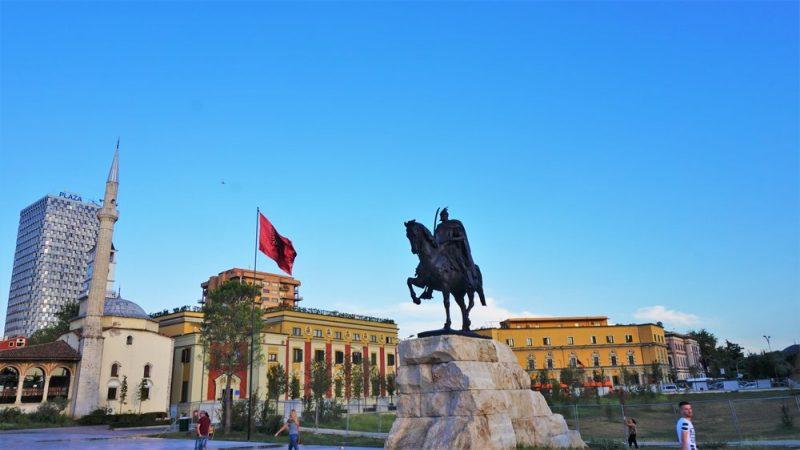 ALBANIJA: Albanci sa Balkana mogu da se zapošljavaju bez radnih dozvola