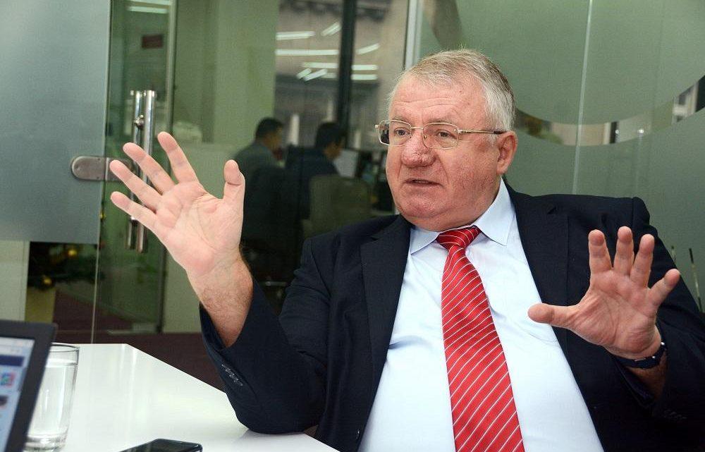 SKUPŠTINA SRBIJE: Šešelj traži odmazdu prema Crnoj Gori