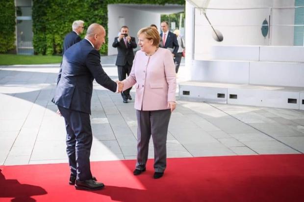BERLIN: Haradinaj kod Merkelove – takse ostaju!