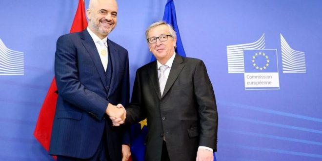 ŽAN KLOD JUNKER: Nema EU bez sporazuma Srbije i Kosova!