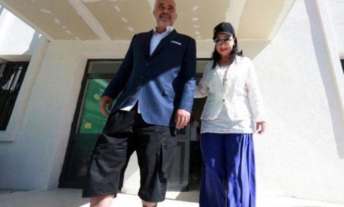 TIRANA: Edi Rama na glasanje došao u kratkim pantalonama