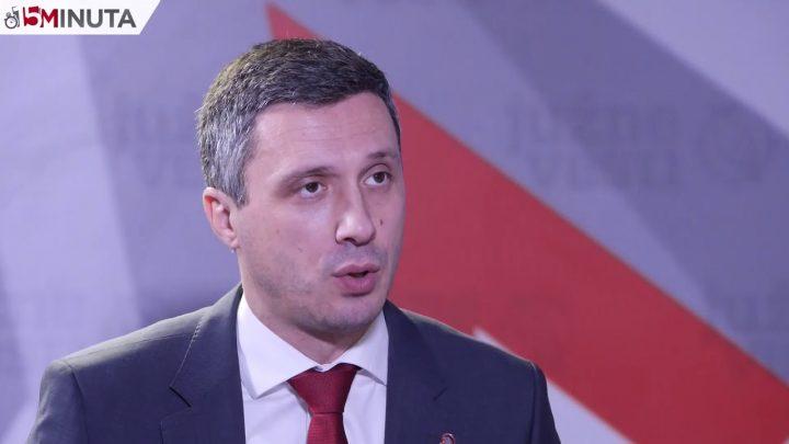 DOPISIVANJE: Boško pita Đukanovića – zar se niste povukli iz SNS zbog lopova u Vašim redovima?