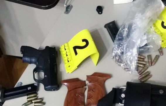 SREMSKA MITROVICA: U kolima pištolj – u stanu mitraljez