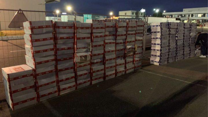 OSTRUŽNICA: U kamionu švercovali 95.990 paklica cigareta