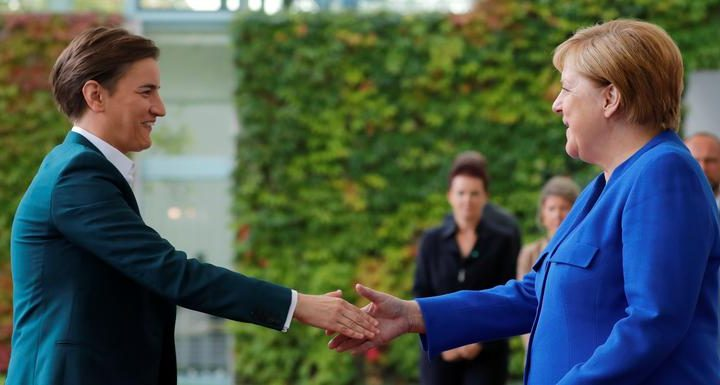POSLE POSETE ANE BRNABIĆ BERLINU: Merkelova traži alternativu Vučiću