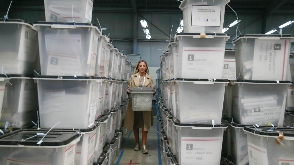 CIK KOSOVA – PREBROJAVANJE: 3.700 KOVERATA IZ SRBIJE NEĆE BITI OTVARANI!