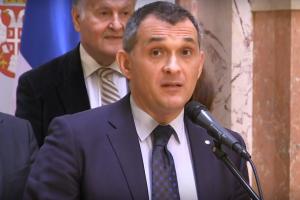 SKUPŠTINA SRBIJE – POSLANICI PITAJU: Zašto država subvencioniše taksiste i hapsi prijavljivača kriminala u Krušiku?