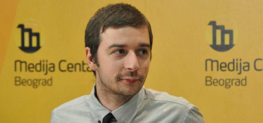 Urednik KRIK-a zadržan na aerodromu u Abu Dabiju i deportovan za Srbiju