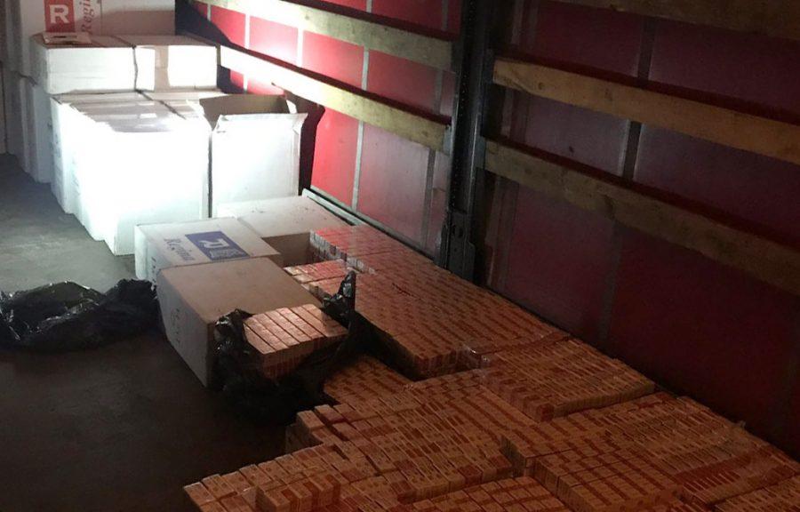 MUP_  Otkriven švercer 38.000 paklica cigareta