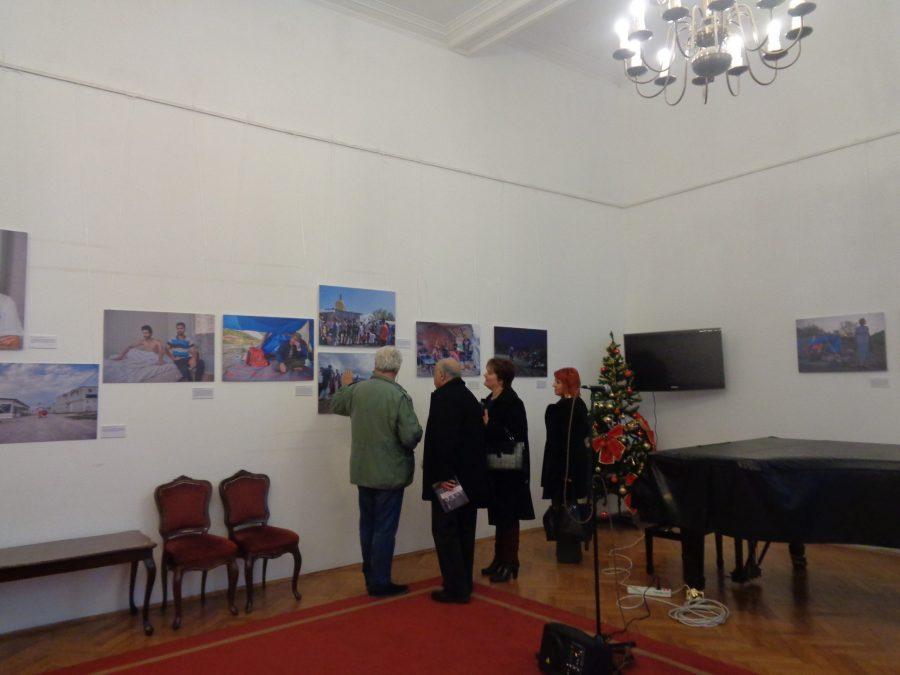 Izložba u Kolarcu: Izbeglice u objektivu Viktora Lackena