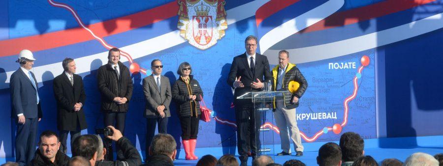 Jasika kod Kruševca: Vučić označio početak gradnje digitalnog autoputa