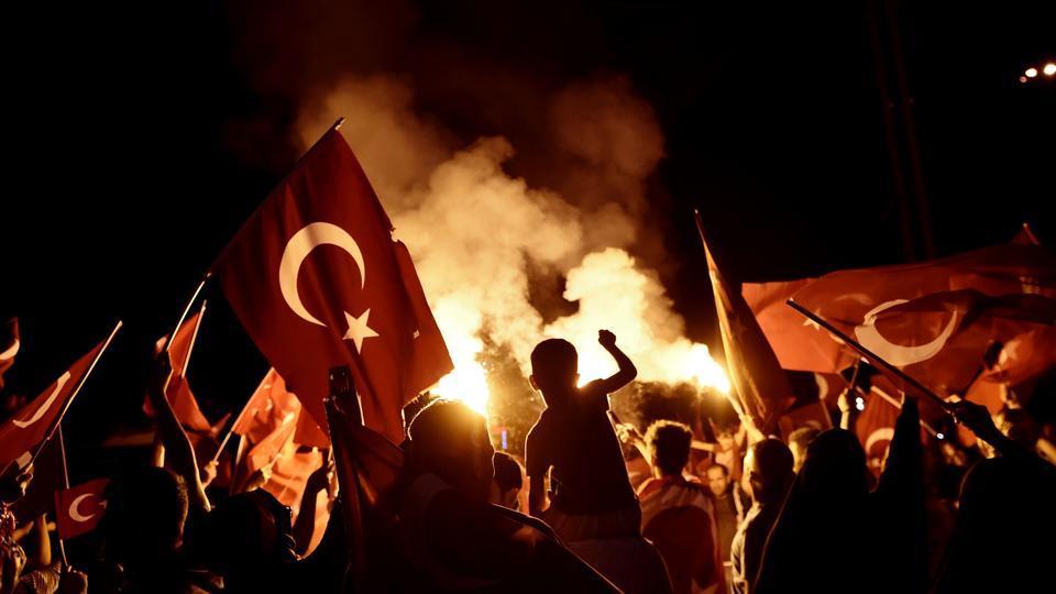 Gulen i dalje danonoćna mora turskog režima: Uništeno više od 300 hiljada knjiga!