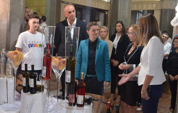 Ana Brnabić sa vinarima: Vlada priprema strategiju razvoja vinarstva od 2020 do 2030 godine