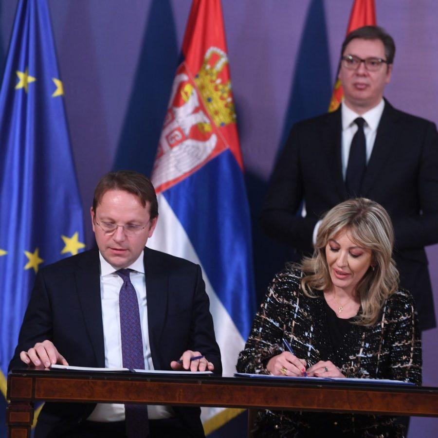 EU – Srbija: U rancu komesara Varhejia – 138,5 miliona i taze ideja o našem ulasku u EU!