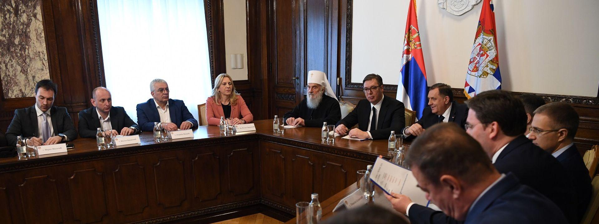 Vučić sa Srbima iz regiona: Srbija pred velikim iskušenjima