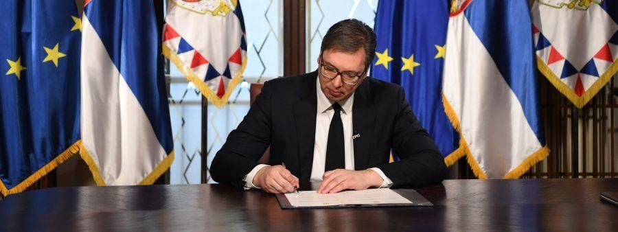 Vučić raspisao parlamentarne izbore!