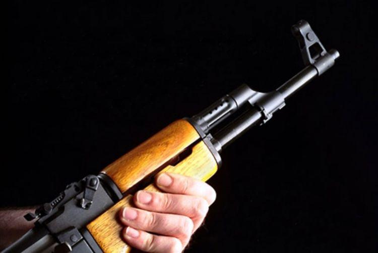 ZEMUN POLJE: Pucao iz automatske puške