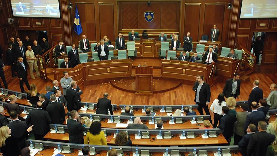 KOSOVO – KORONA VIRUS: Svađa lidera oko uvođenja vanrednog stanja.- Tači hoće Kurti neće!