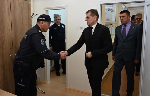 KORONAVIRUS: Rebić otkrio – 800 policajaca u samoizolaciji!