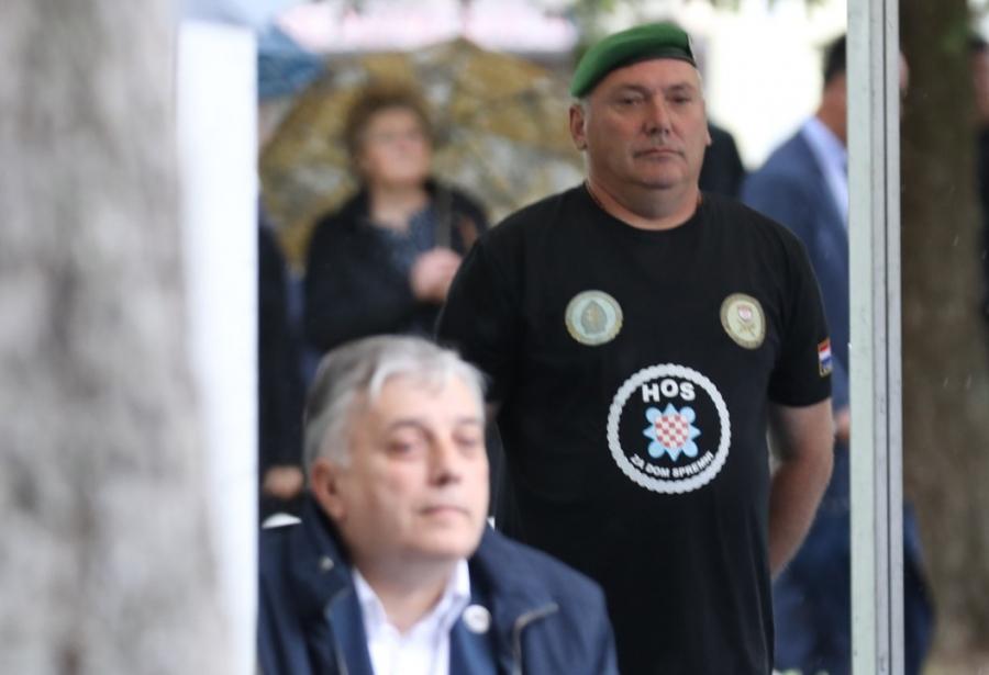 """INCIDENT NA OBElEŽAVANJU """"BLJESKA"""": Ovo je muškarac zbog čije majice je Milanović napustio svečanost!"""