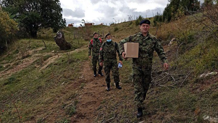 Pomoć vojnih lekara u selima opštine Sjenica