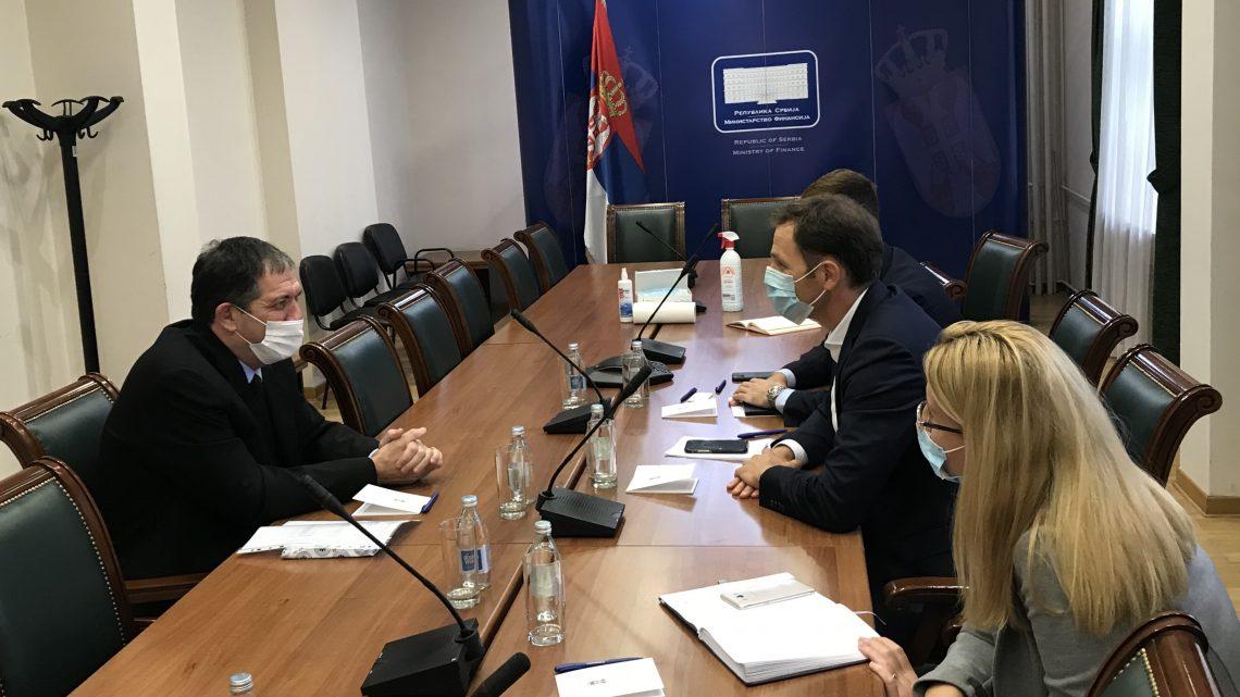 Министар Синиша Мали разговарао са амбасадором Израела Јахелом Виланом