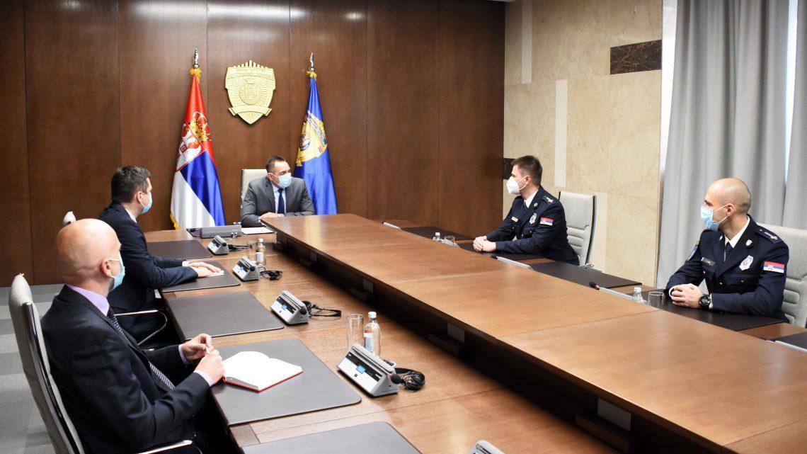 Вулин разговарао са припадницима полиције који ће заменити колеге у мировној операцији УН на Кипру