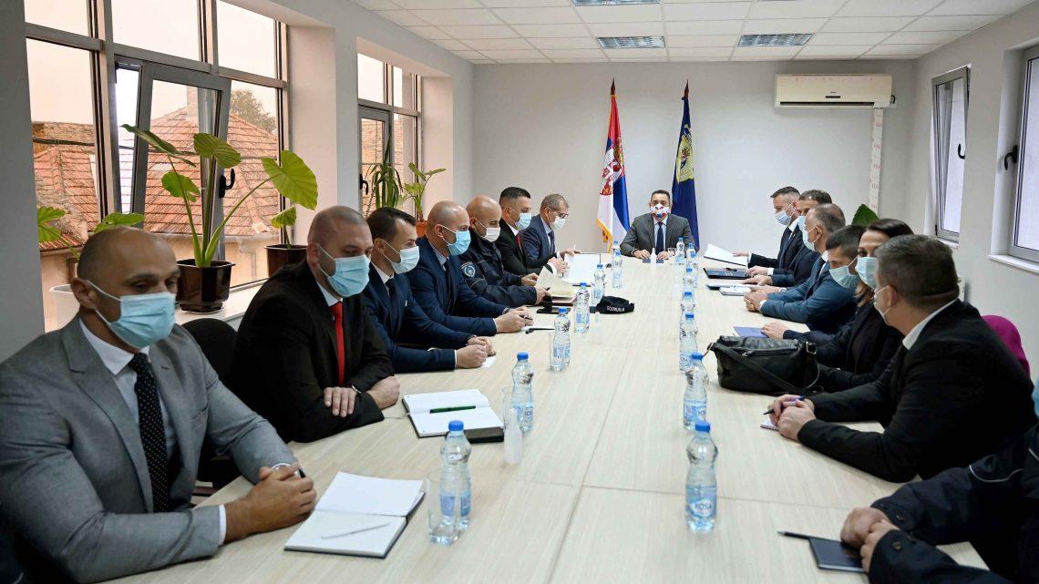 Министар Вулин одржао колегијум са начелником ПУ Нови Сад и начелницима полицијских станица
