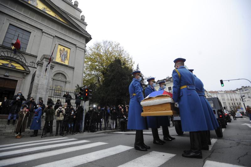 Vernici i građani odaju počast patrijarhu Irineju
