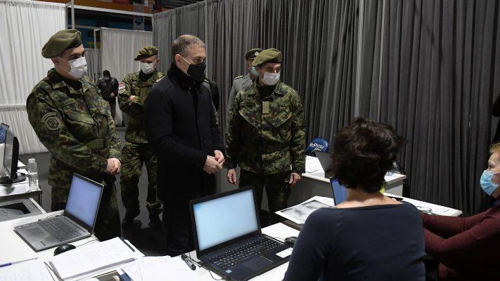 Stefanović obišao privremenu kovid bolnicu u Areni