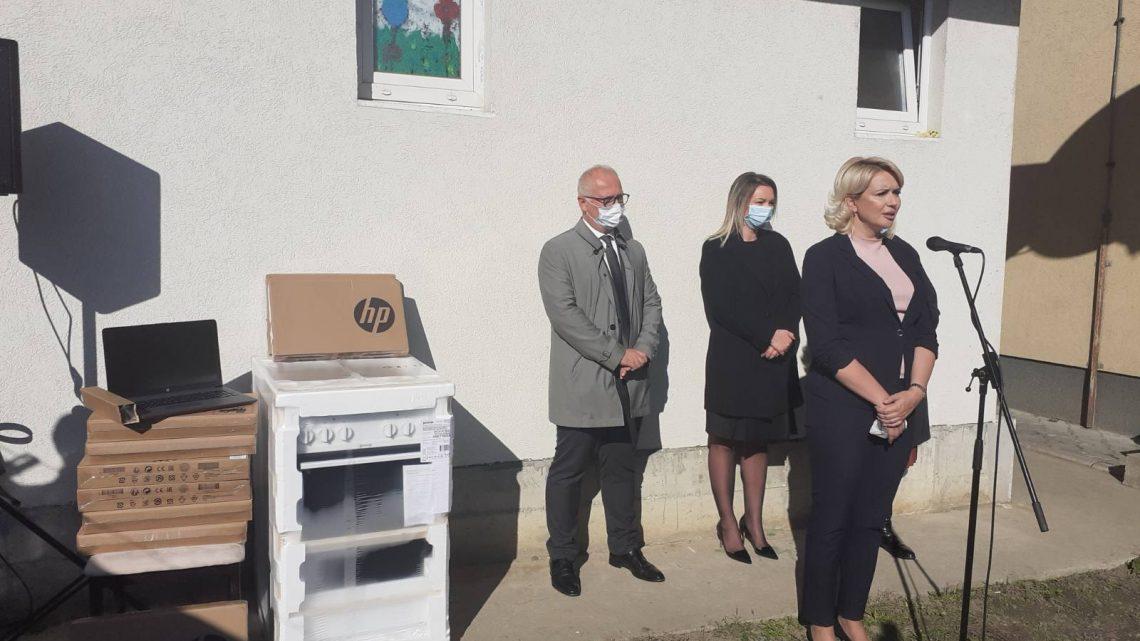 Министарка Кисић Тепавчевић посетила Сигурну кућу у Београду