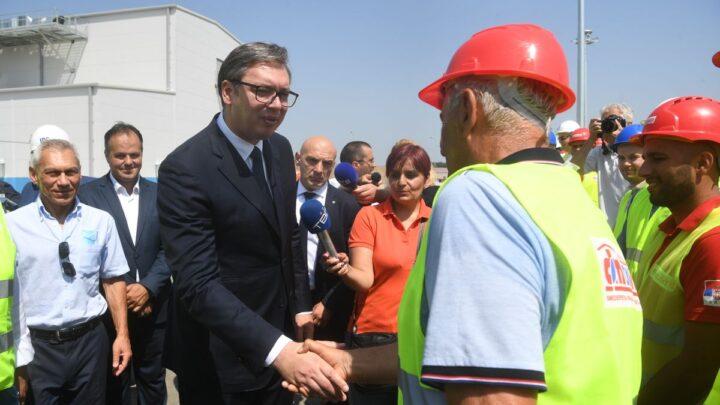 Vučić obišao radove na izgradnji kompresorske stanice Velika Plana