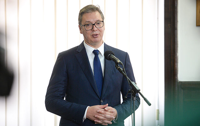 Vučić: Penzionerima u februaru po 20.000 dinara